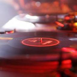DJ für die Hochzeit mieten (buchen)