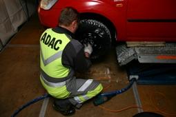 Winter-Tipps vom ADAC: Vorbeugen ist besser als liegen bleiben