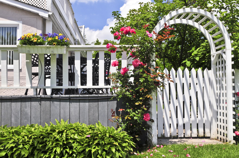 Ein Gartenhaus kaufen und aufbauen